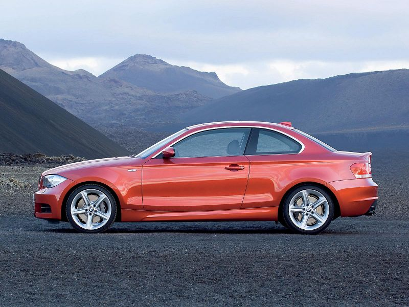 BMW 135i Coupe 800x600
