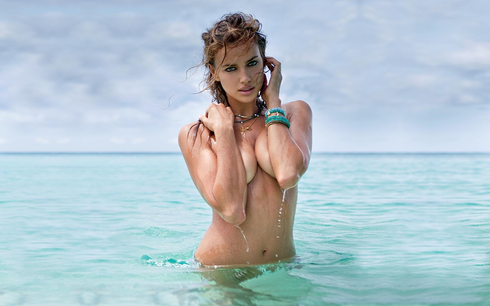 Фото девушки в воде голые 3 фотография