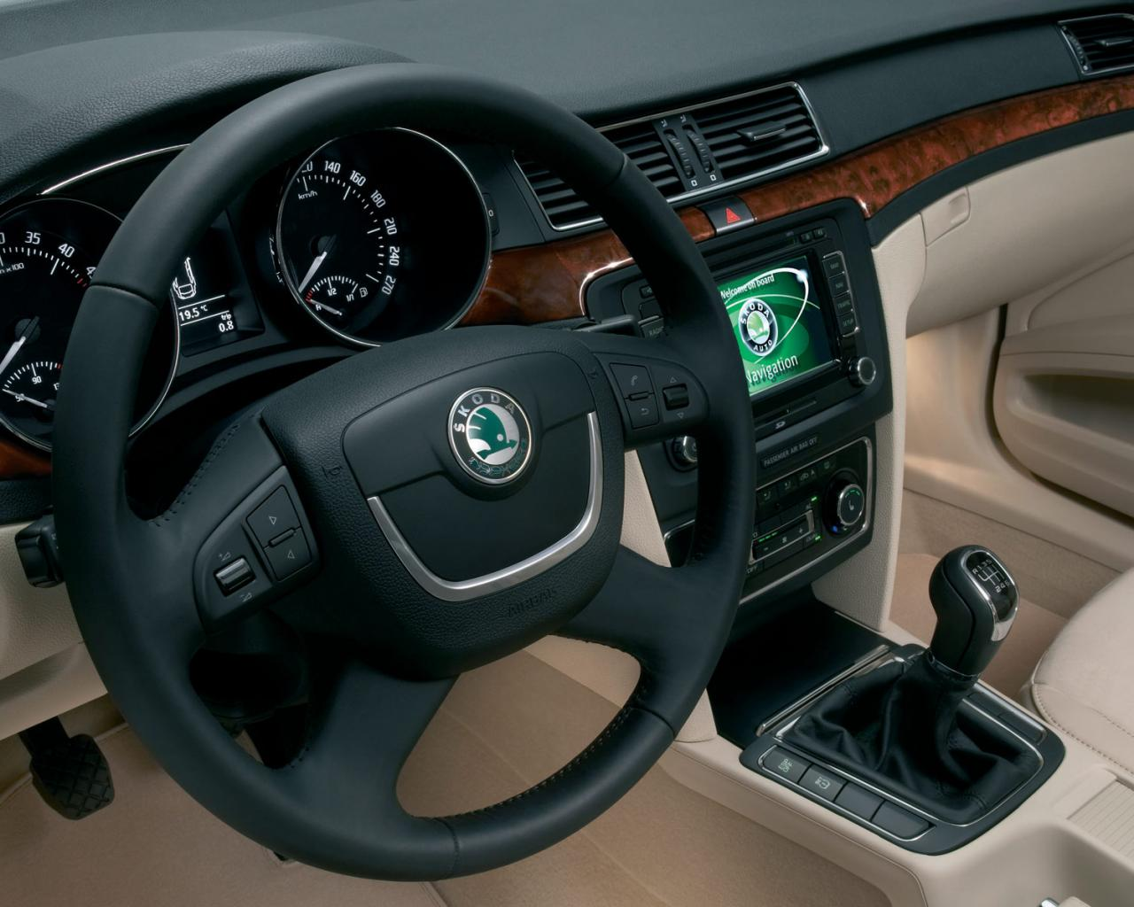 Skoda superb авто машины автомобили 1280x1024