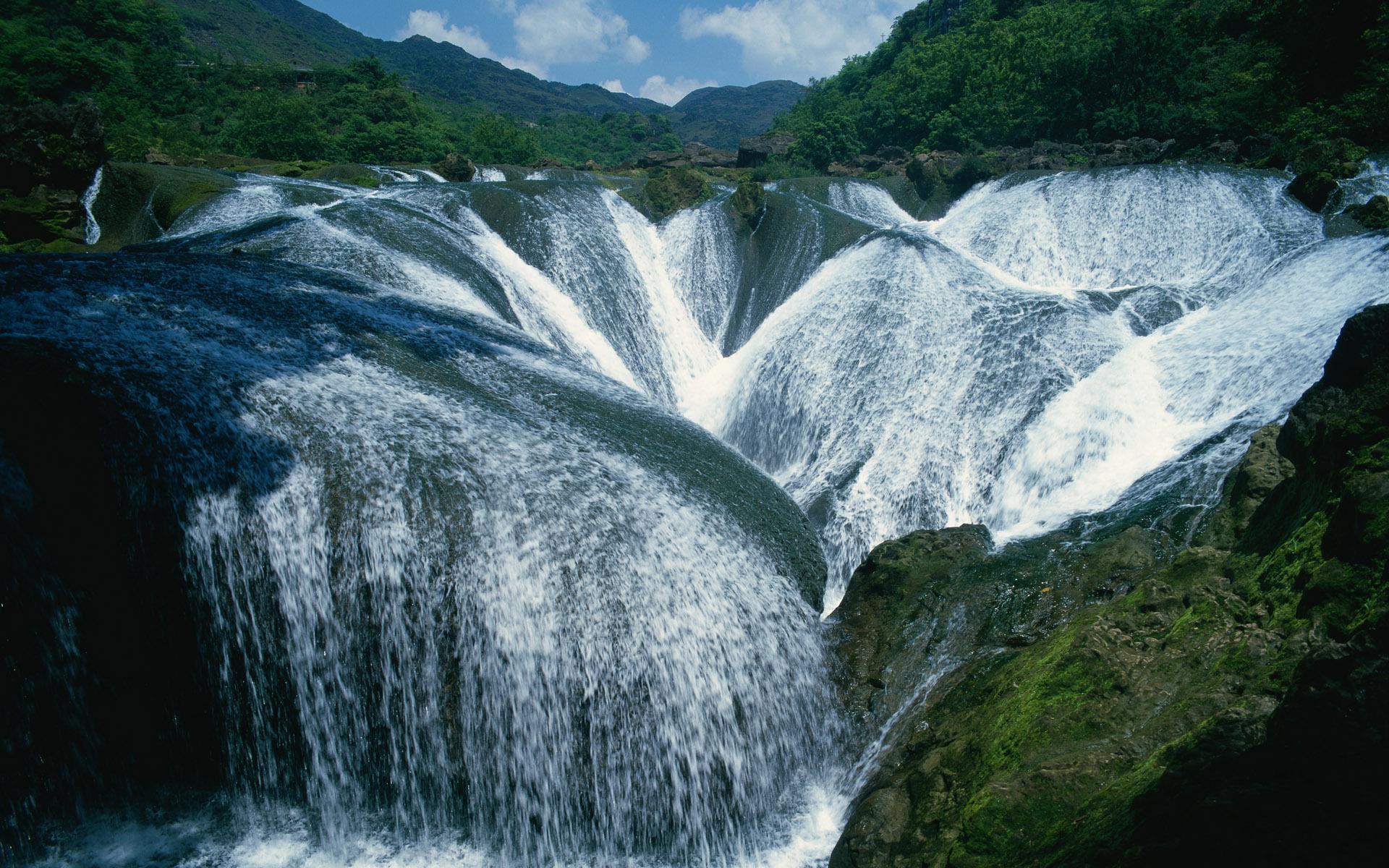 Пейзаж водопады горы зелень обои для