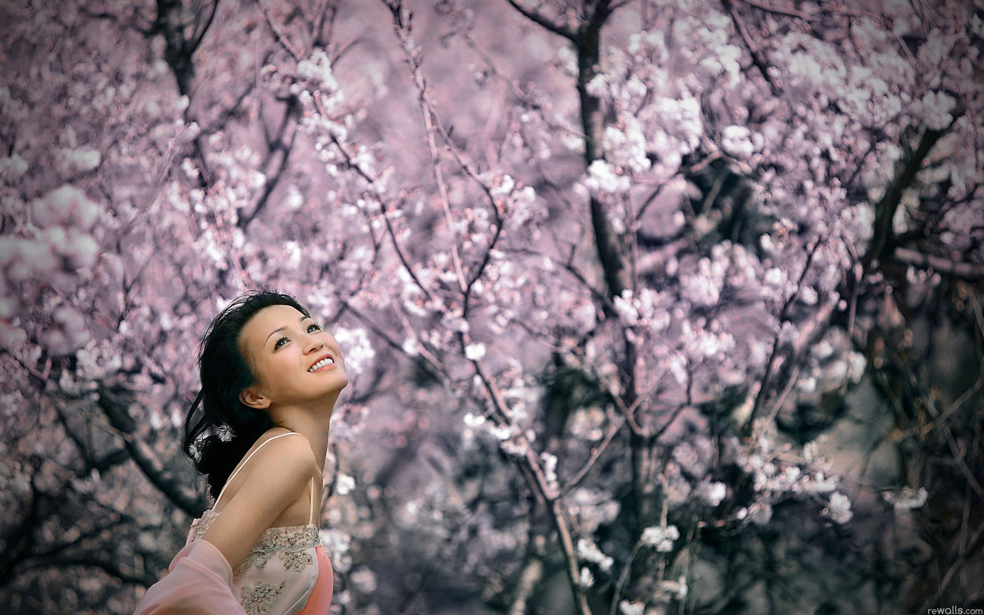 Фото японка с сакурой фото 600-552