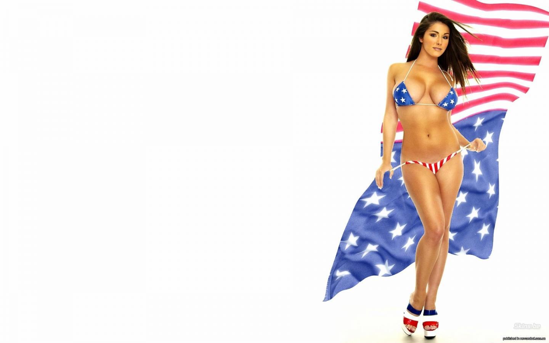 Три девушки в американских купальни 10 фотография