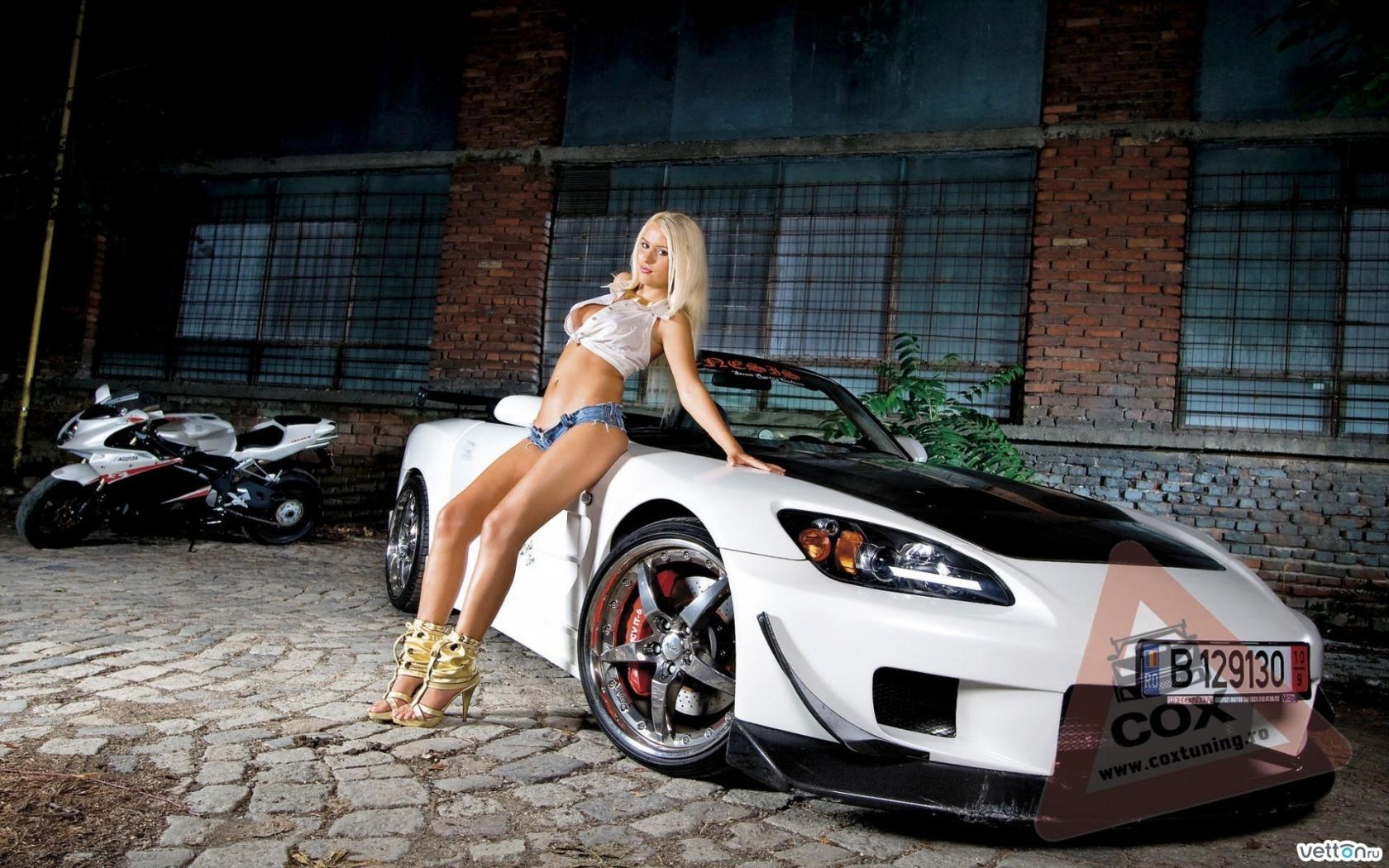 Девушки красивых машинах фото