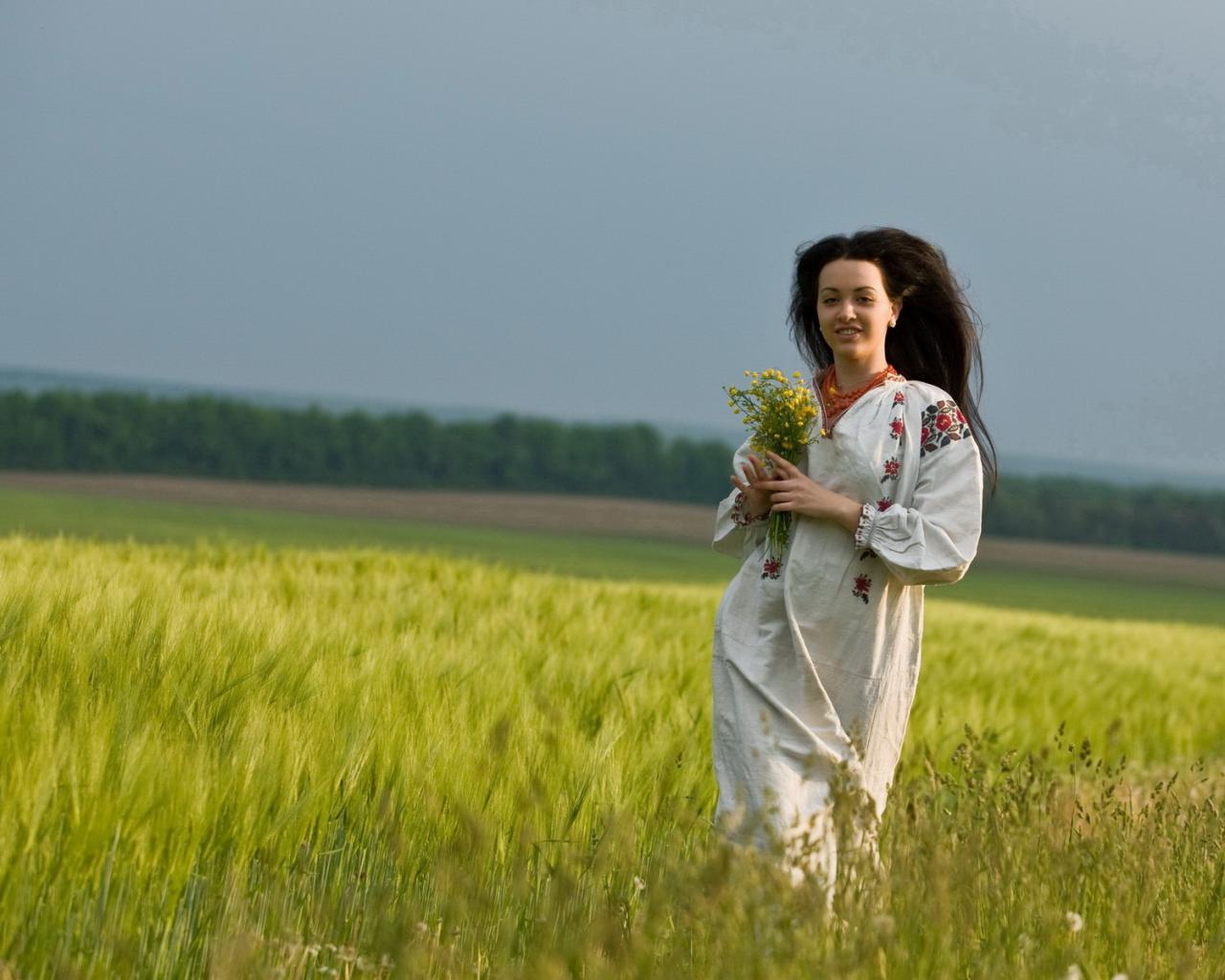 фото девочки с цветами: