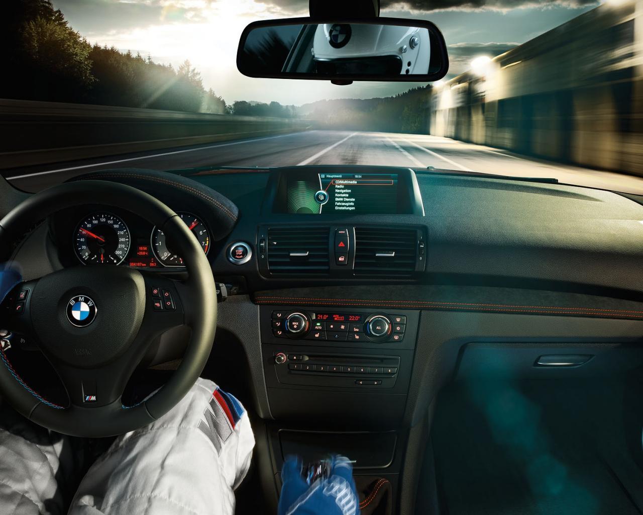 За рулём BMW обои для рабочего стола, картинки, фото, 1280x1024.