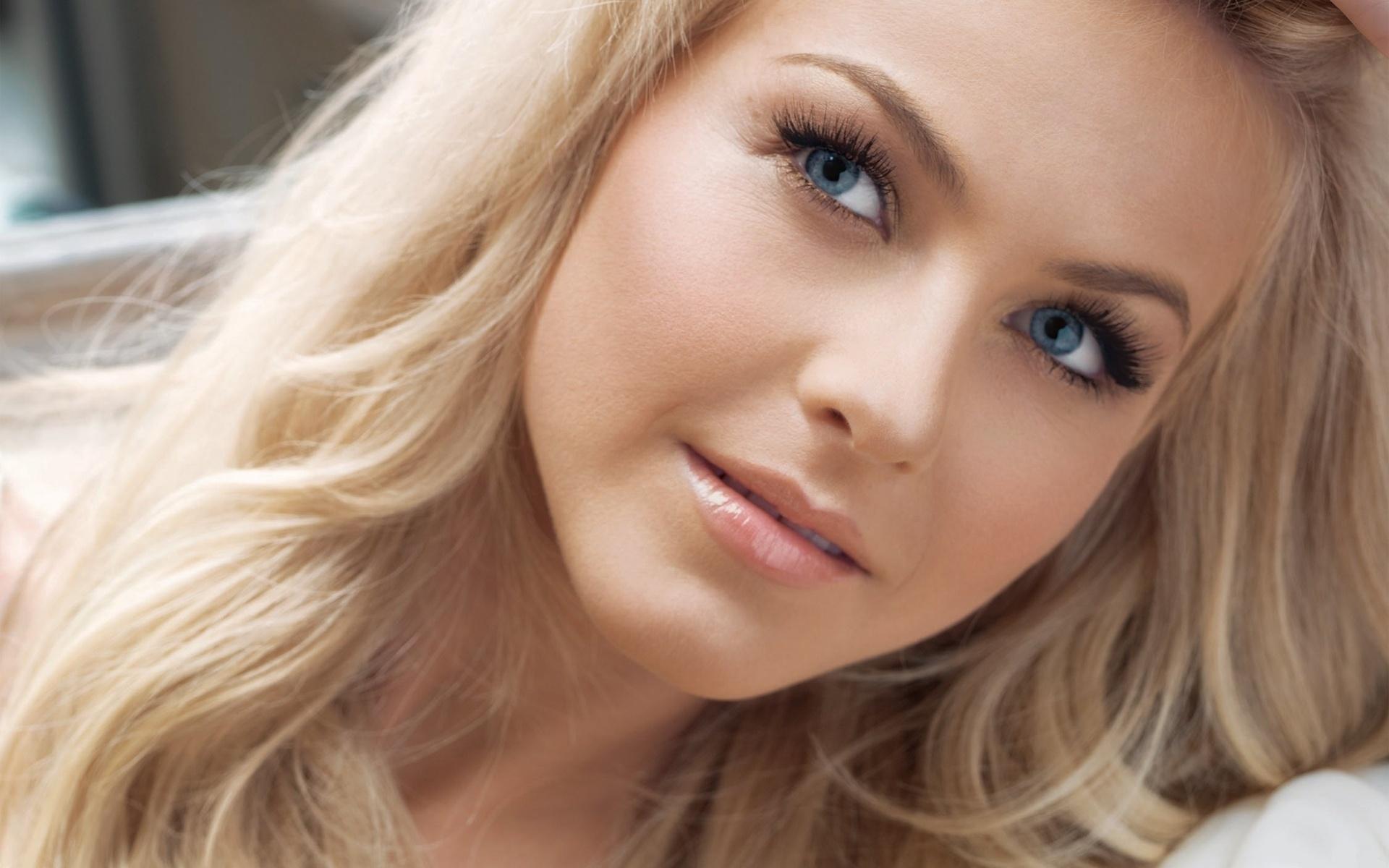 Фото девушек блондинка с большими глазами 7 фотография