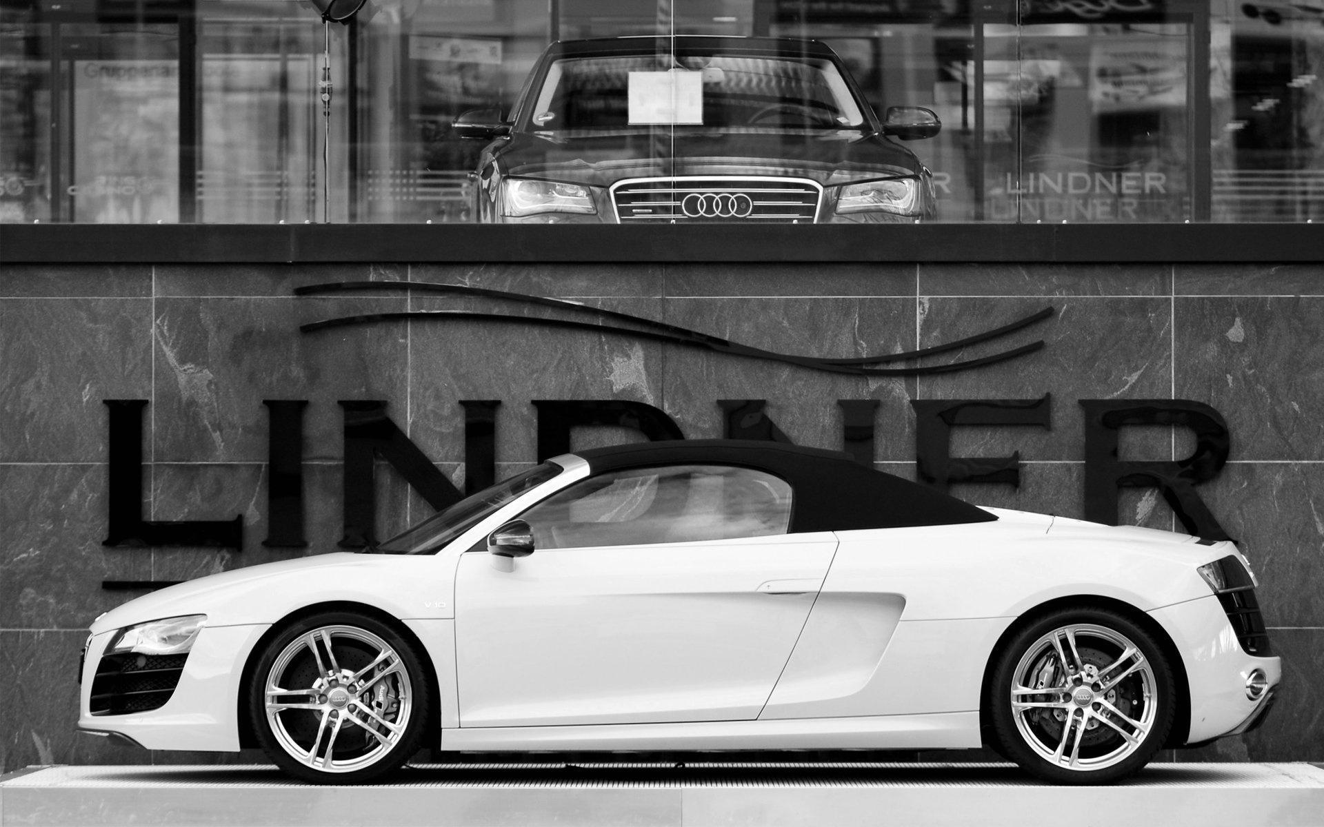 Черно белое фото машин