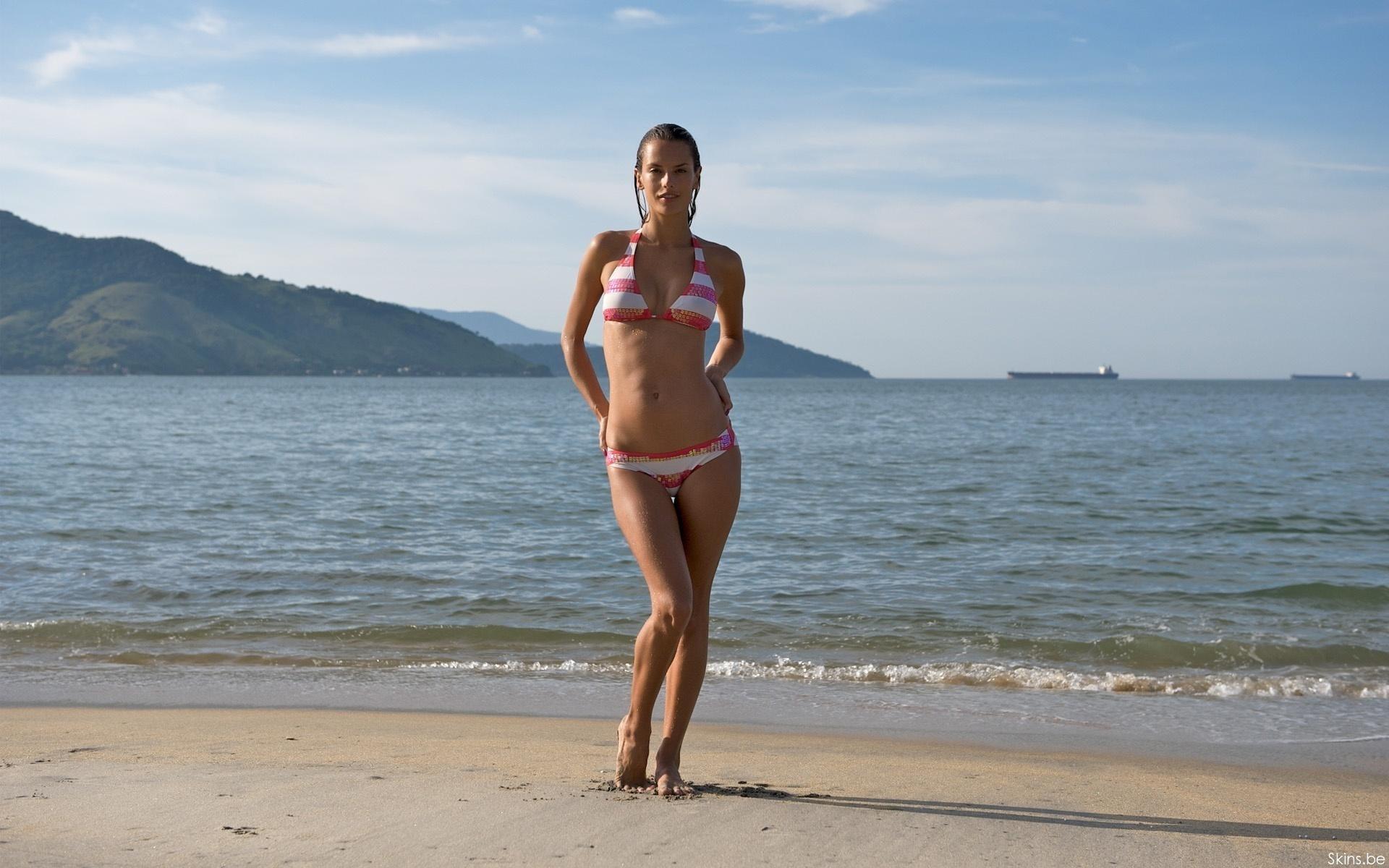 Девушки На Пляже Обои