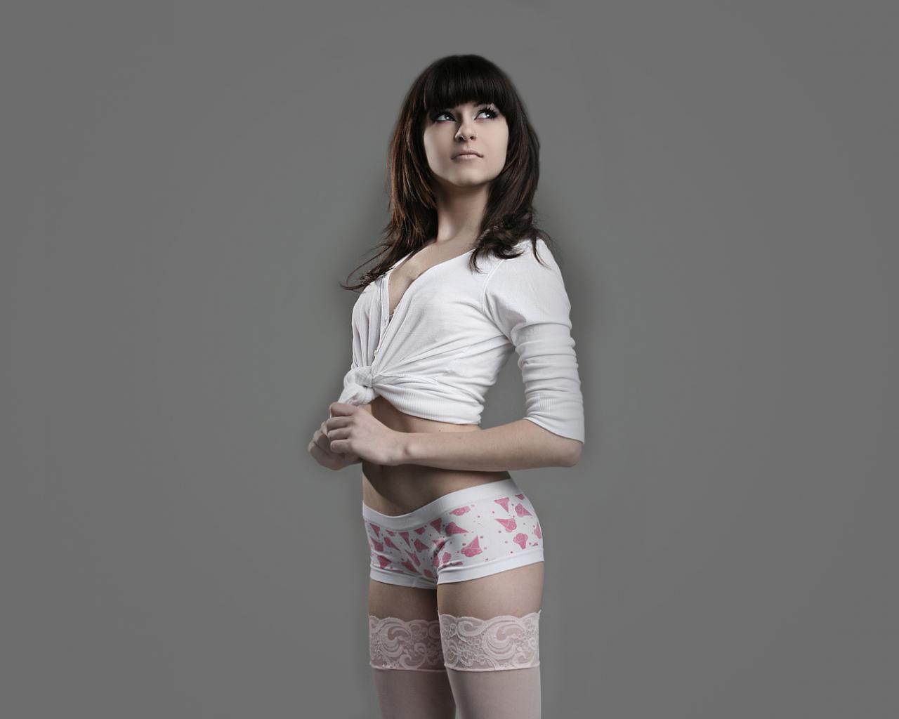 Совсем юная девочка у гениколога 19 фотография