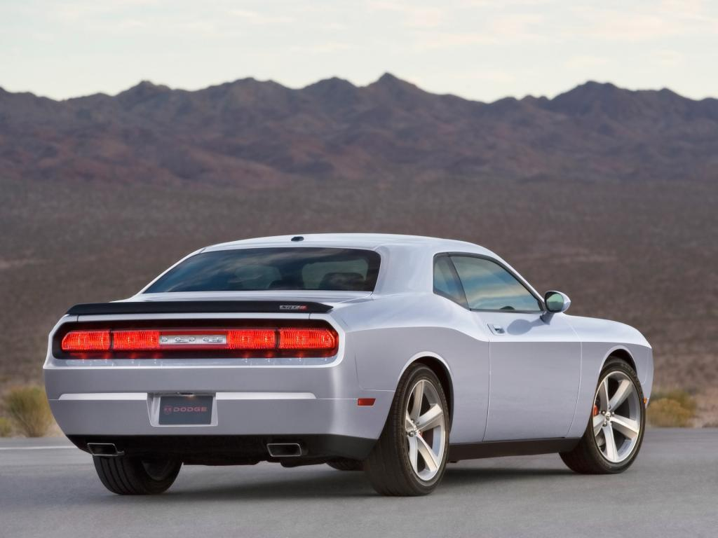 2009 Dodge Challenger Srt8 Rear Angle 1024x768