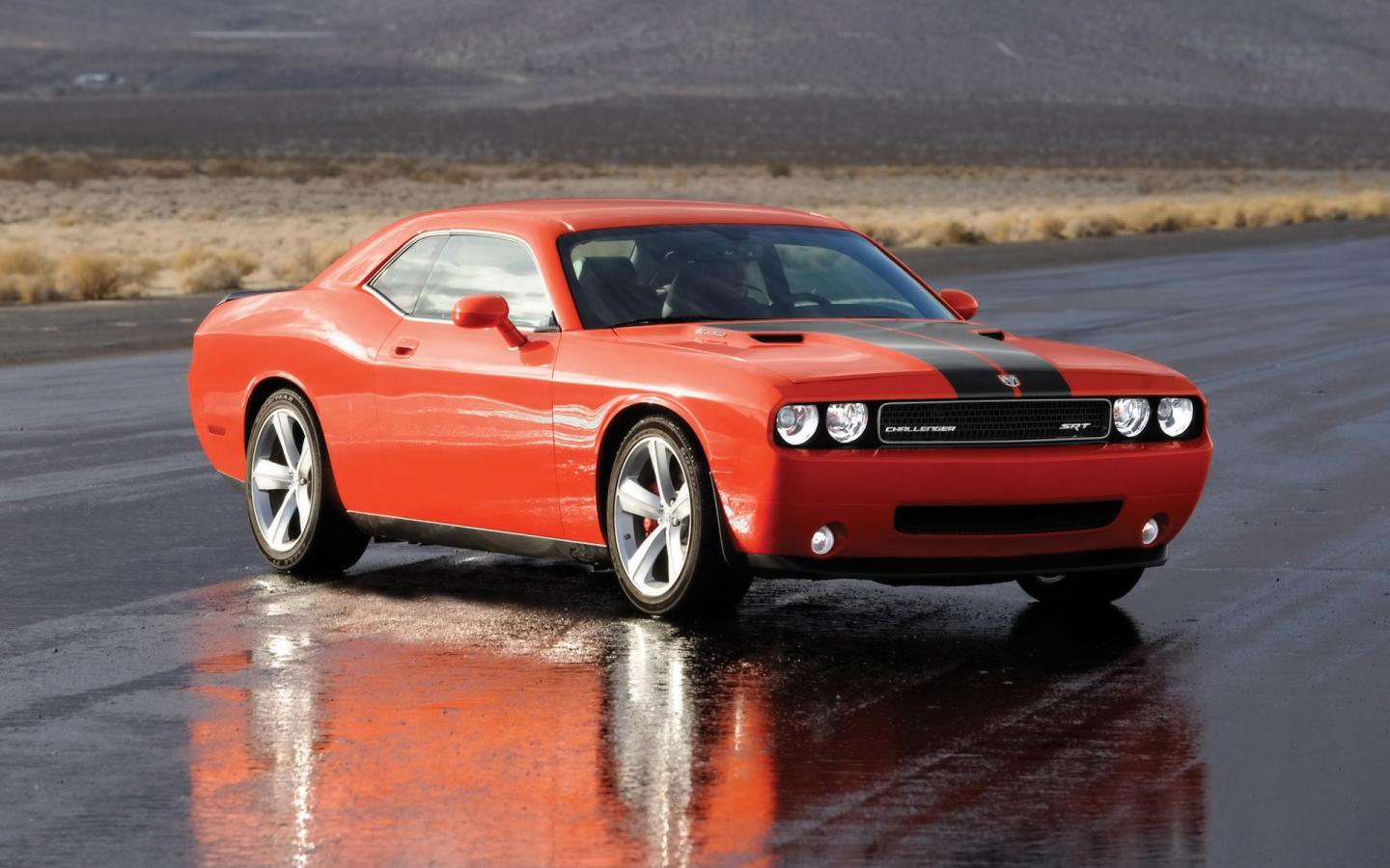 2008 Dodge Challenger Srt8 Side Angle Wet Pavement 1440x900