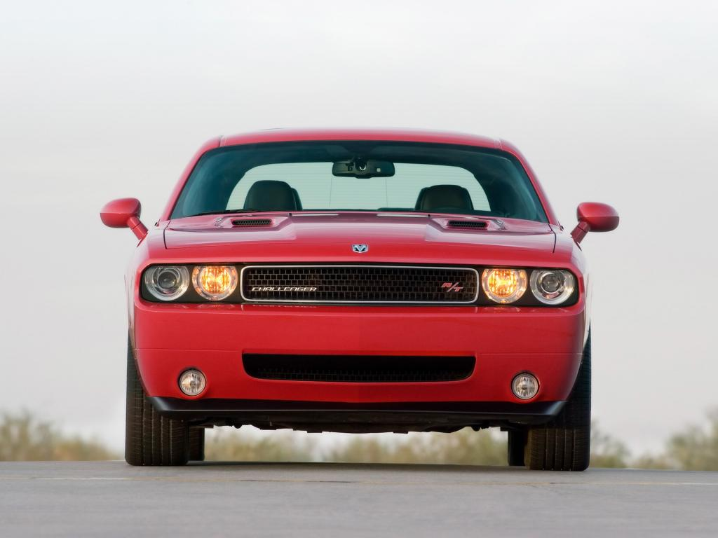 2009 Dodge Challenger Rt Front 1024x768