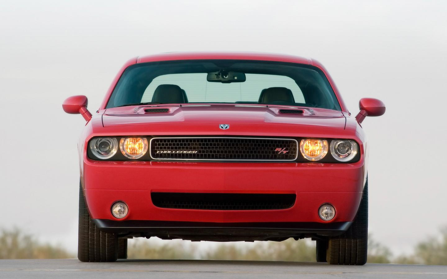 2009 Dodge Challenger Rt Front 1440x900