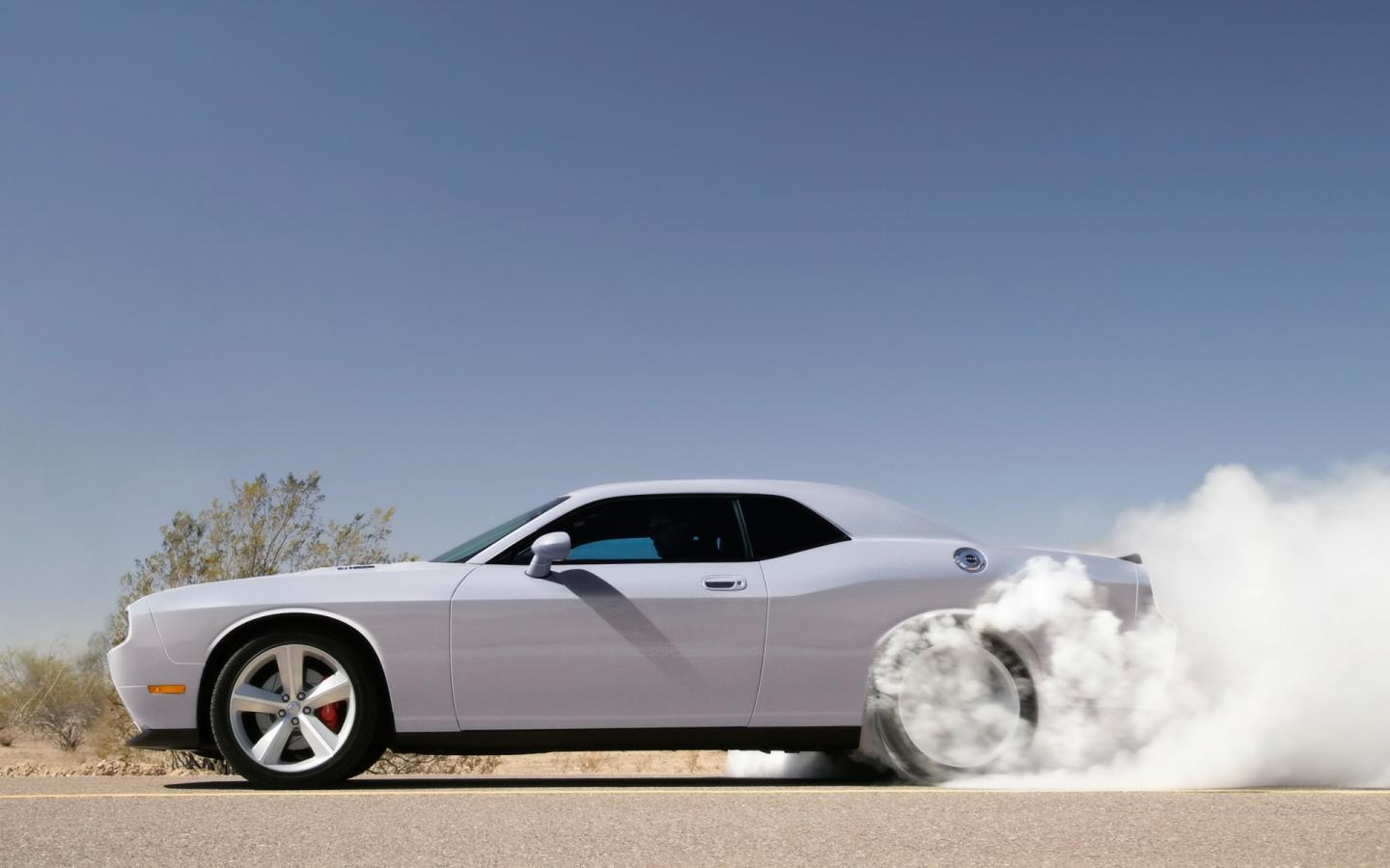 2009 Dodge Challenger Srt8 Side Smoke 1440x900