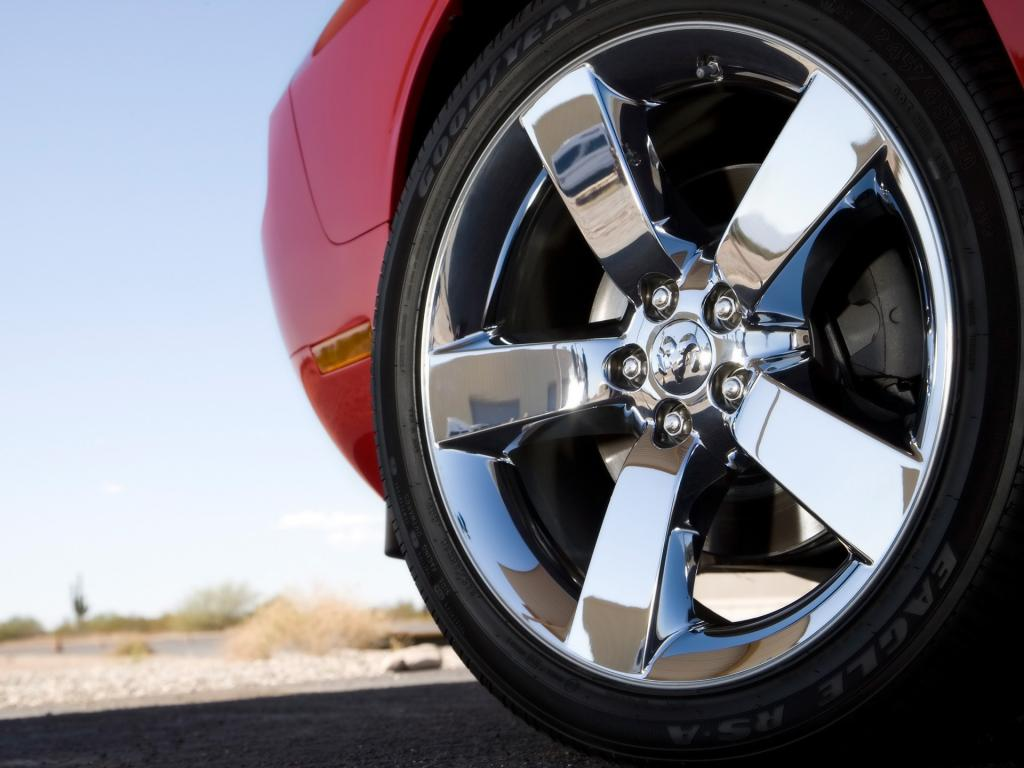 2009 Dodge Challenger Rt Wheel 1024x768