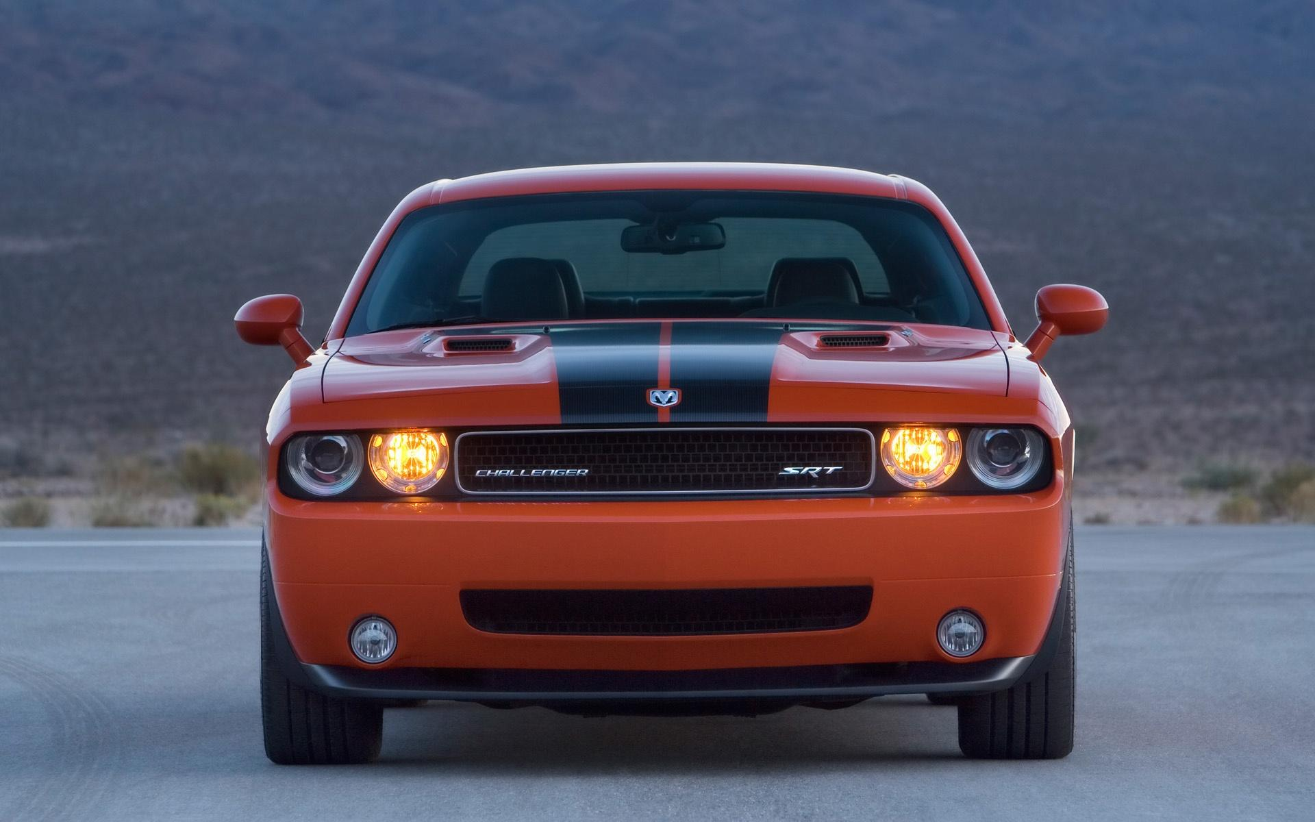 2008 Dodge Challenger Srt8 Front Headlights 1920x1200