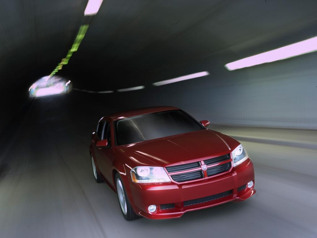 2006 Dodge Avenger Concept Front Angle Drive 1024x768