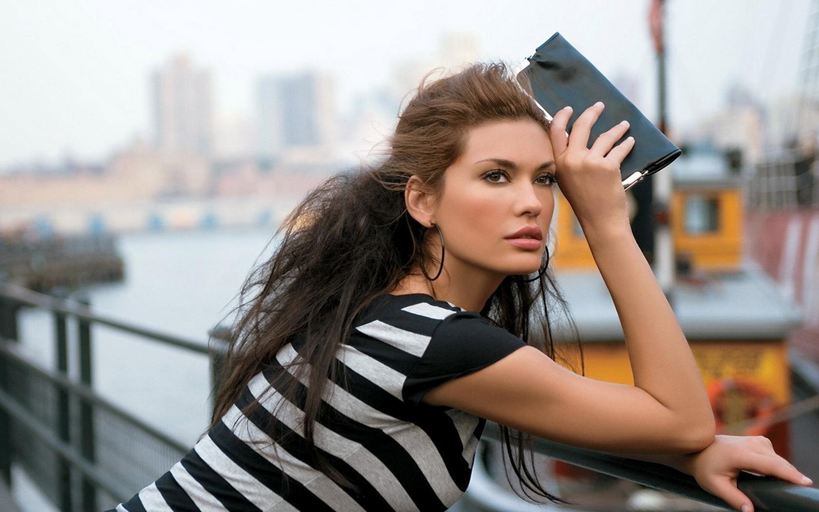 Фото женщины итальянки 2 фотография