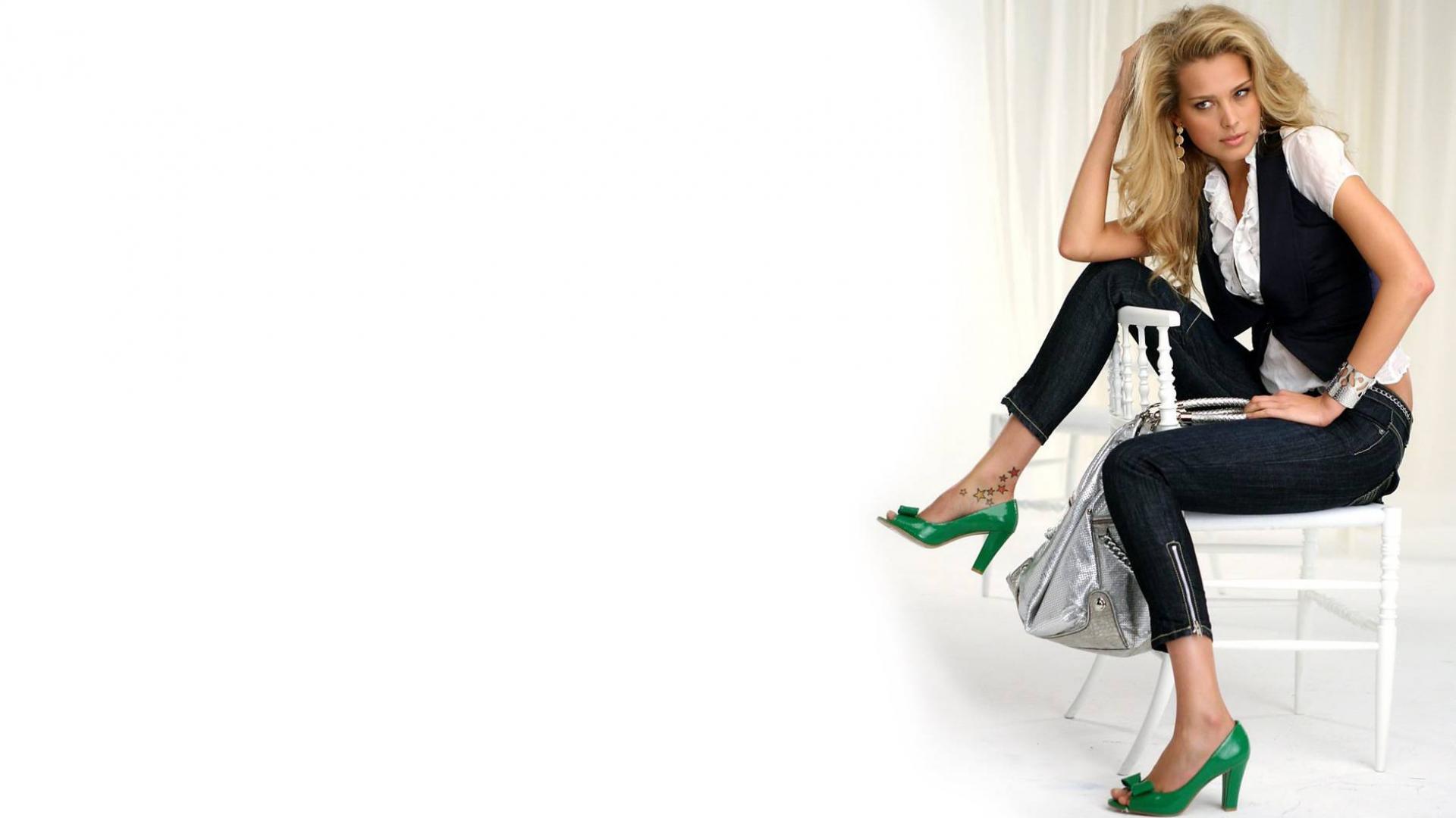 Гламурная блондинка обои для рабочего стола, картинки ...: http://hq-wallpapers.ru/wallpapers/girls/pic9273_raz1920x1080