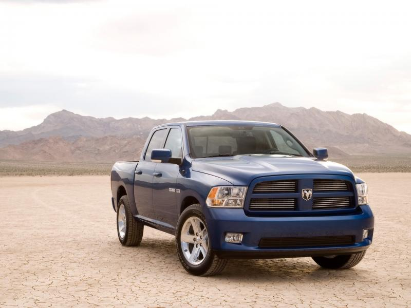 2009 Dodge Ram Sport Front Angle 800x600