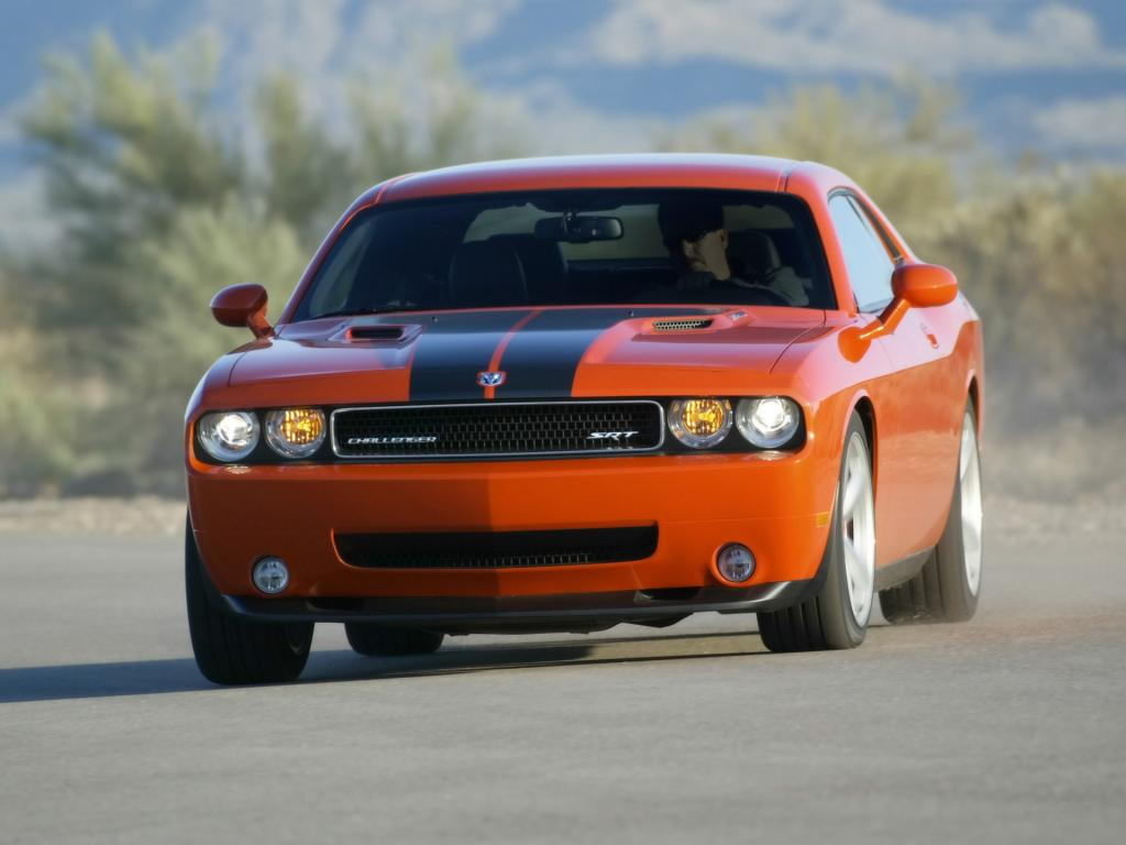 2008 Dodge Challenger Srt8 Front Angle Speed 1024x768