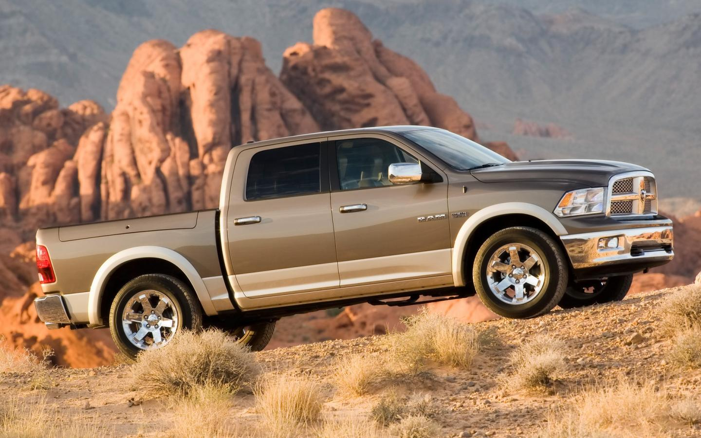2009 Dodge Ram Laramie Side Angle 1440x900