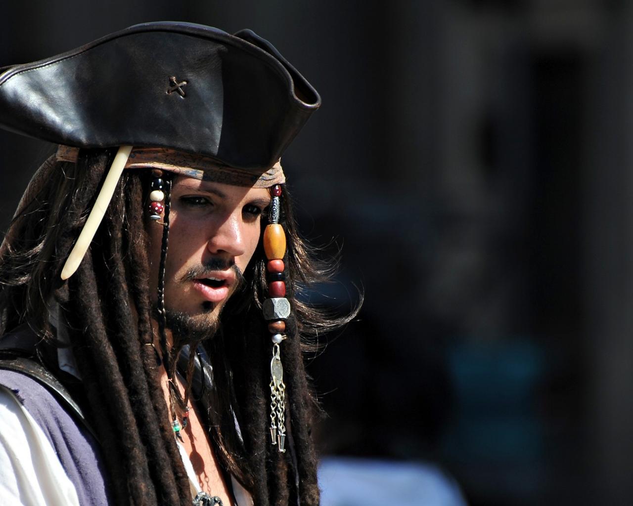 скачать фото пиратов карибского морю