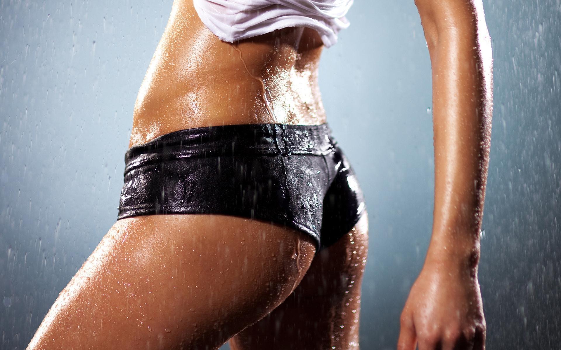 Фото девочек в мокрых трусах 5 фотография