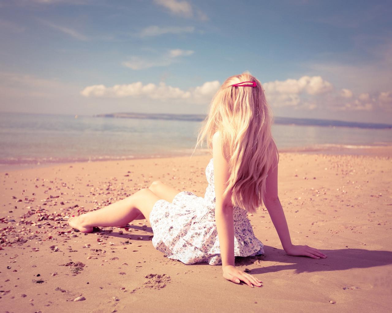 Фотографии девушка блондинка со спины 24 фотография