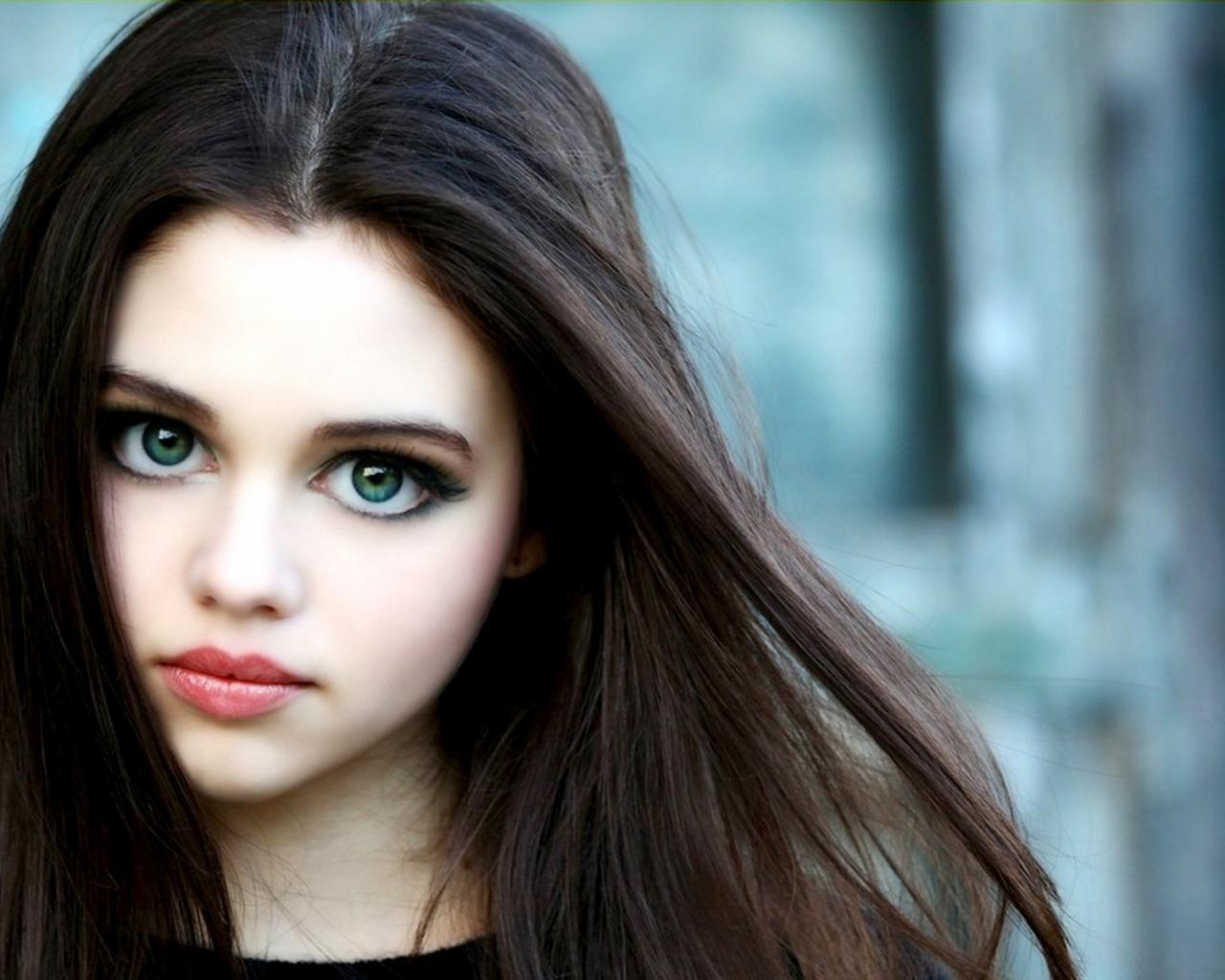фото с девушек с большими глазами