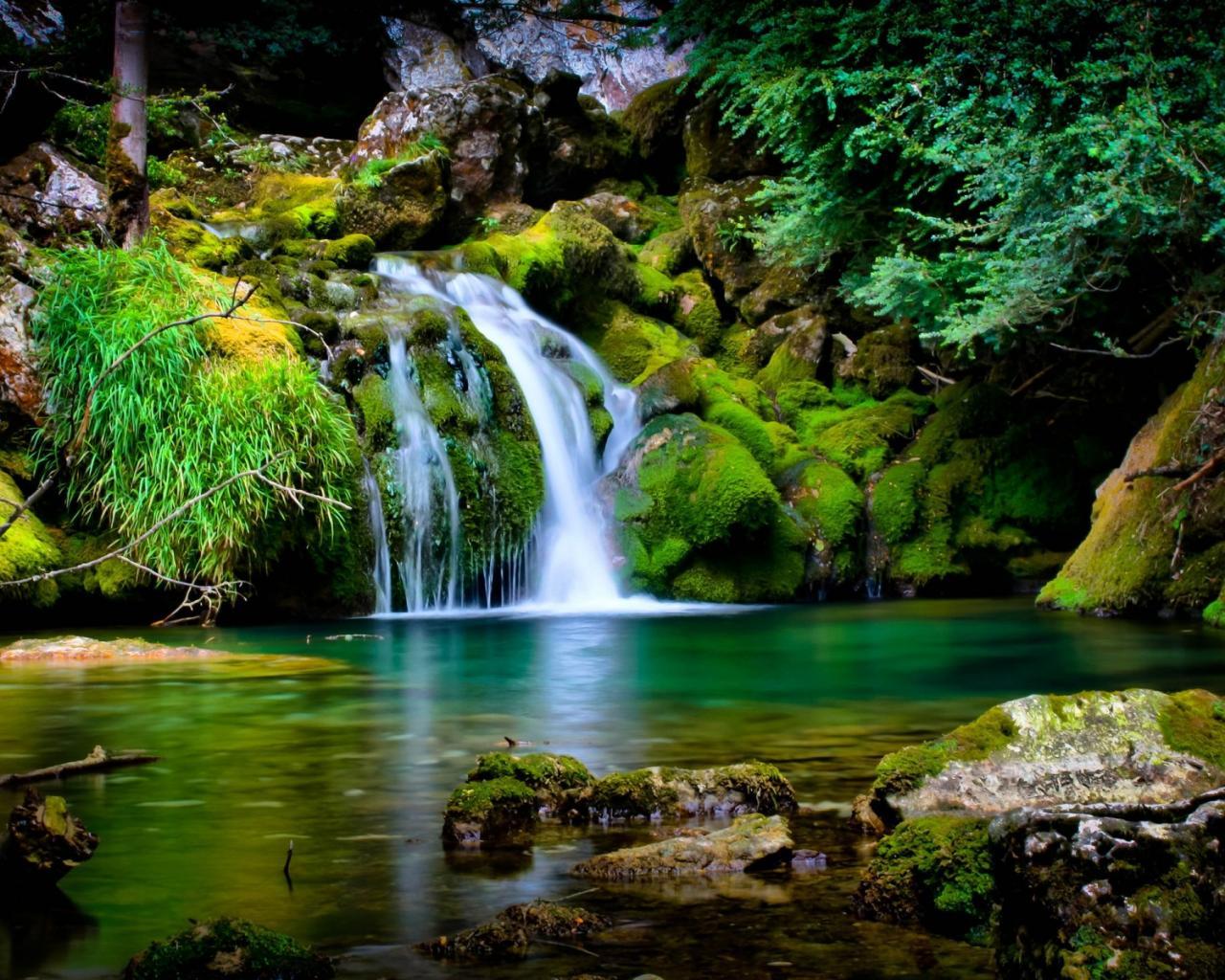 Водопад озеро обои для рабочего стола