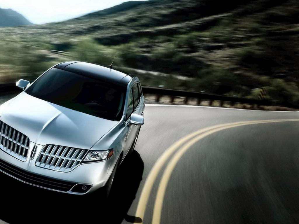 2011-Lincoln-MKT 1024x768