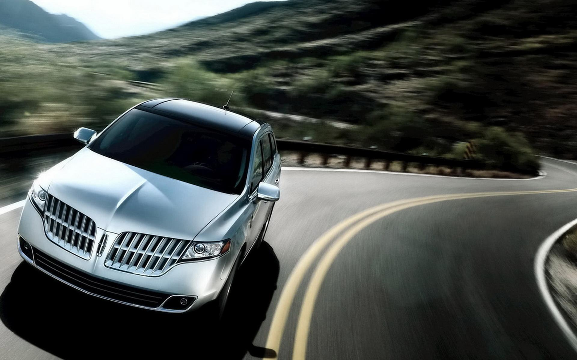 2011-Lincoln-MKT 1920x1200