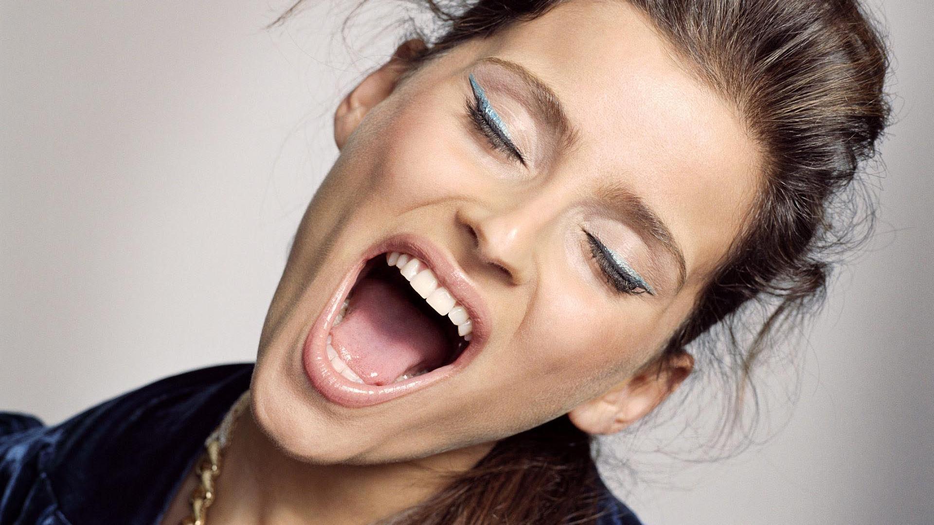 Смотреть девочки ссут в рот 1 фотография