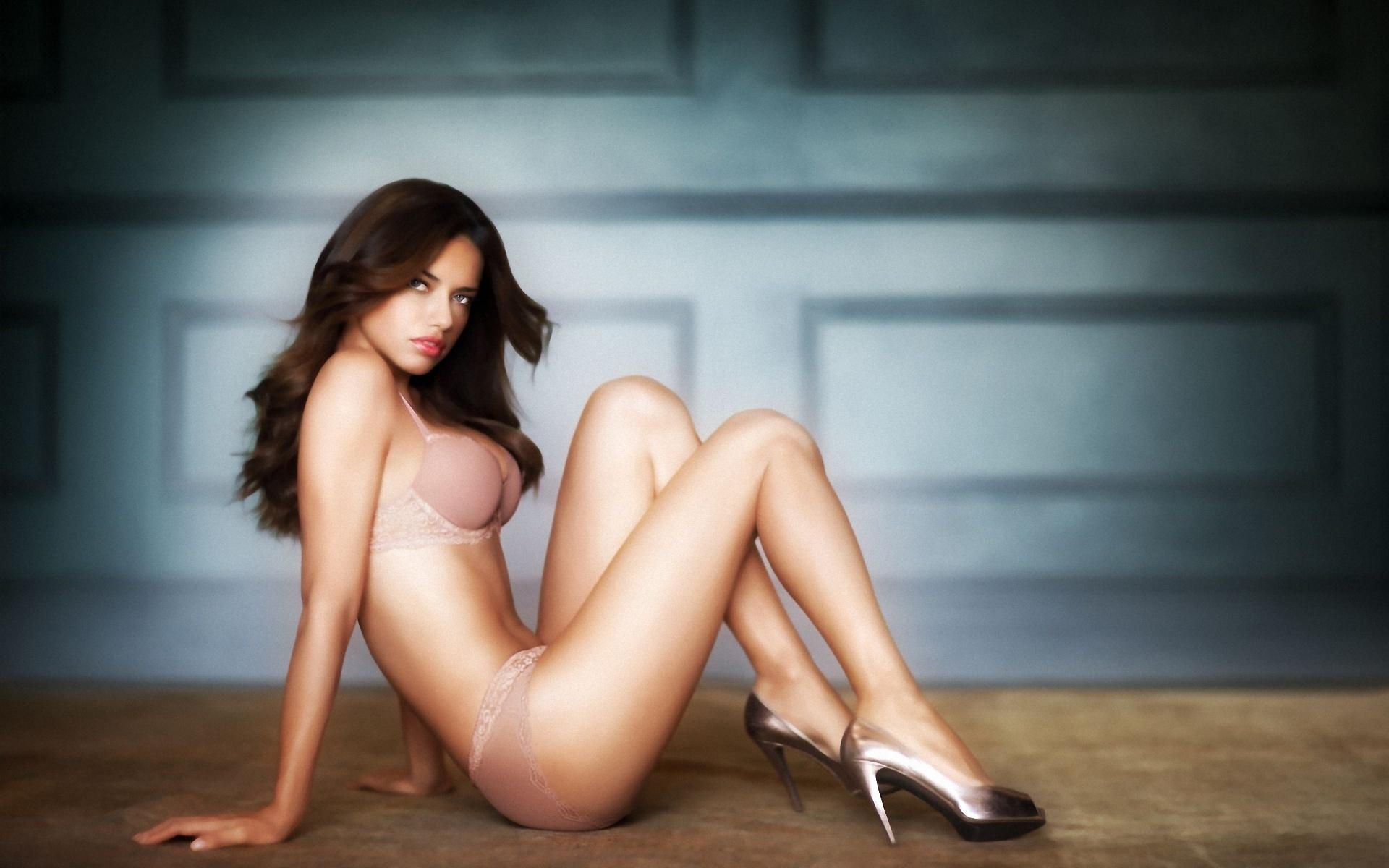Самие красивая голие девчонки 18 фотография