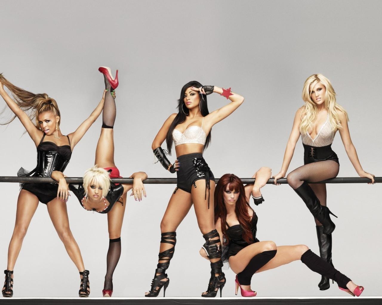 Сексуальные девушки танцуют 14 фотография