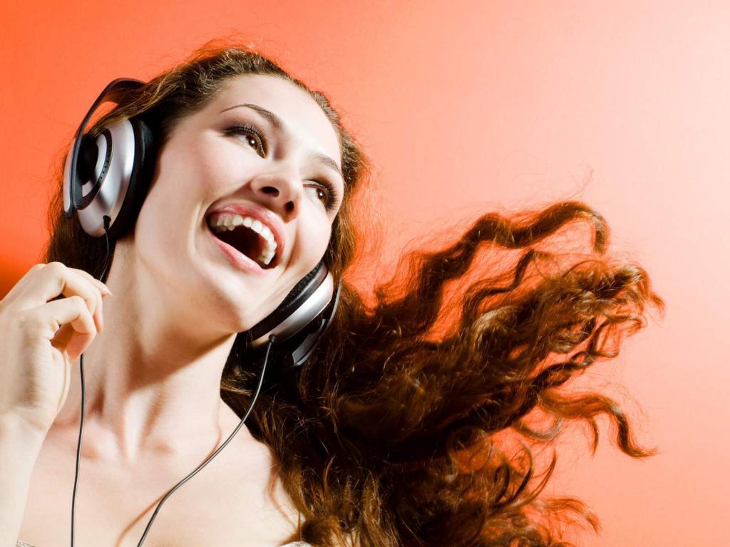 Наушники девушки музыка картинки