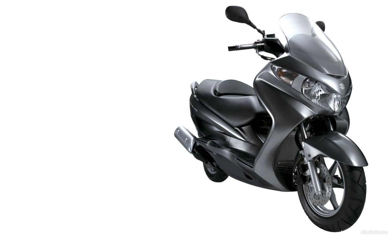 Обои мотоцикла Suzuki.  Сузуки…